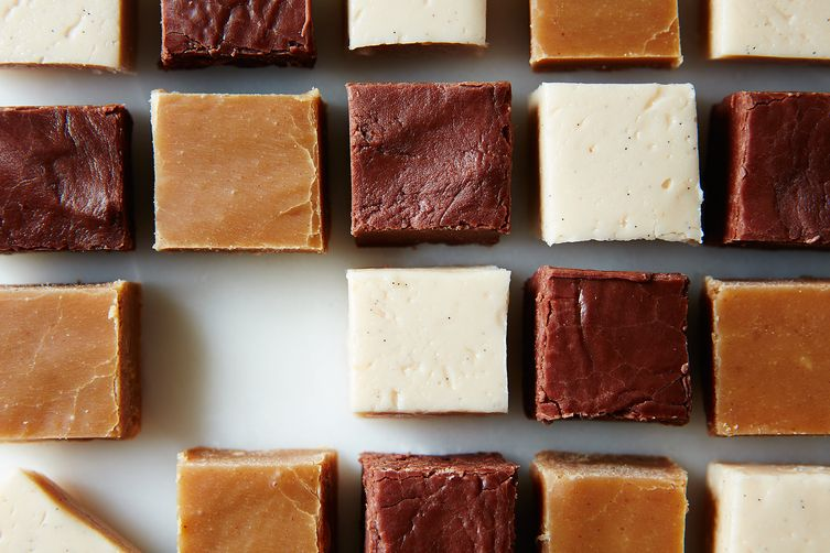 Use this easy microwave fudge recipe next time the craving hits!