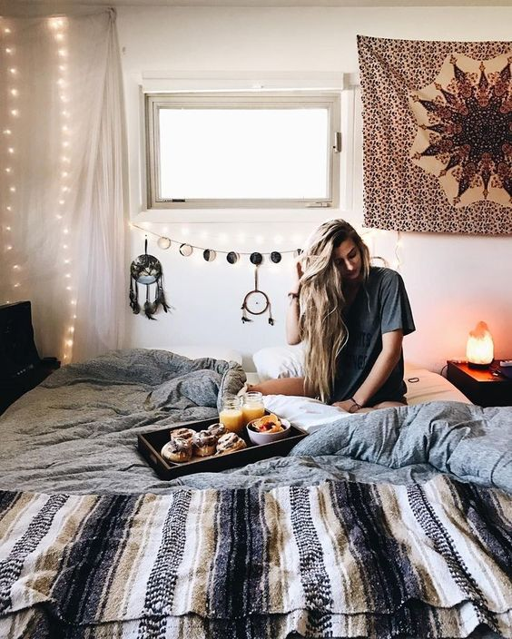 Check out these cute bohemian bedroom ideas.