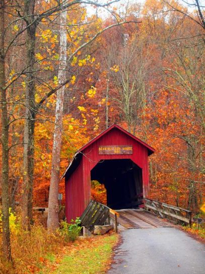 12 Amazing Fall Getaways To See Fall Foliage