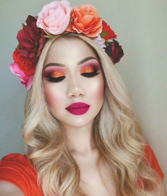 10 Christmas Makeup Ideas That Are Anything But Basic