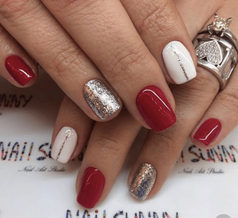 12 Holiday Nail Designs That Are Festive AF - 12 Holiday Nail Designs That Are Festive AF - Society19
