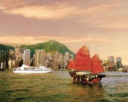 Seabourn_PSL_Ship_in_Hong_Kong_Harbor