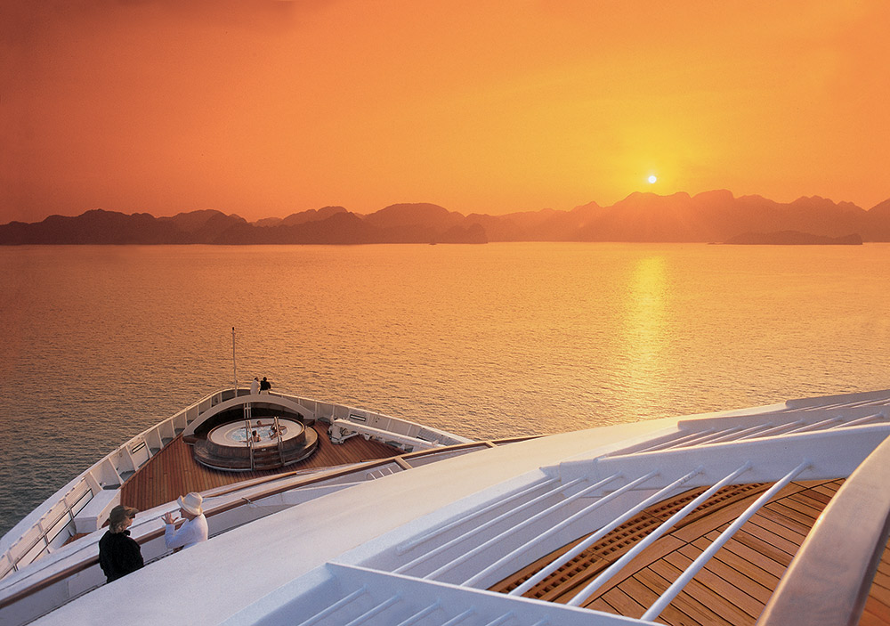 Seabourn_Spirit_at_Sea__Railing_at_Sunset