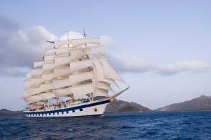 RoyalClipper-01