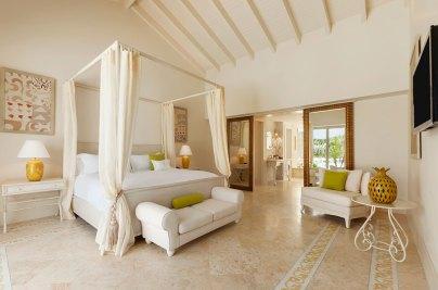 Eden Roc ---Master-Bedroom---Family-2-Bedroom-Suite