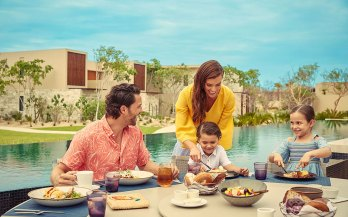 Montage-LosCabos-family-lunch