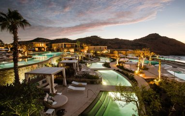 Montage-LosCabos-mlc-sunset-pool-bay