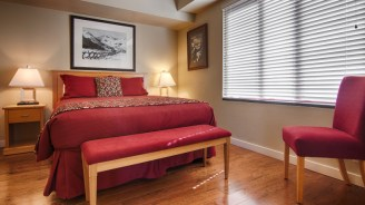 One Bedroom UPGRADED NEW BEDDING