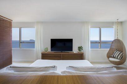 Ocean-front-suite_1