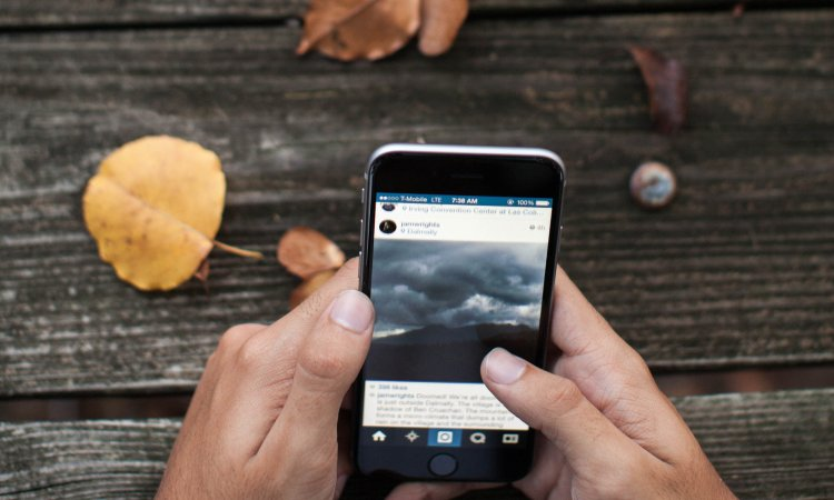 Christians & Social Media: Your Spiritual Disciplines Are on Display Credit: lightstock.com