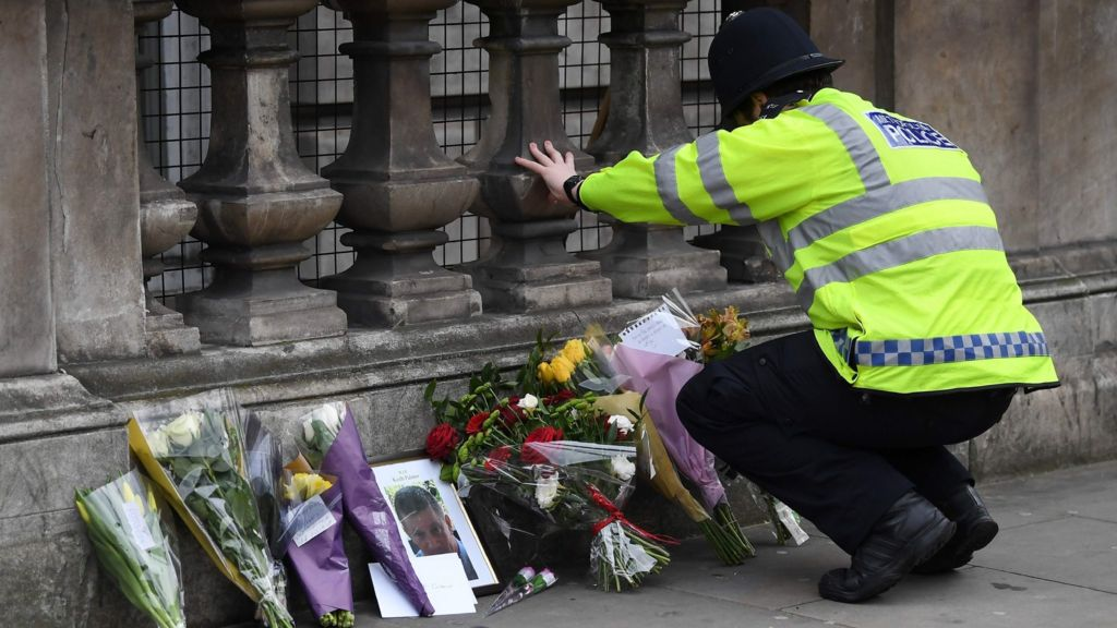 95290404 mediaitem95289784 - London attack: British-born attacker 'known to MI5'
