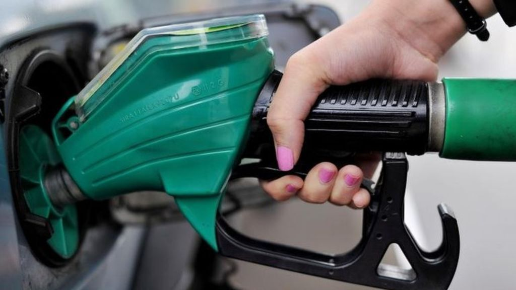 95306616 28rson40 - Petrol and diesel price cut amid pressure on retailers