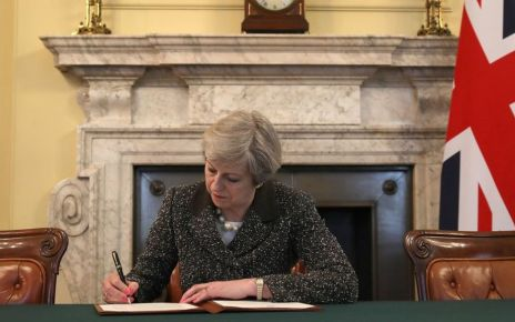 95368036 77617c5a 3185 403f 9d2e d233916307f2 - Article 50: May signs letter that will trigger Brexit