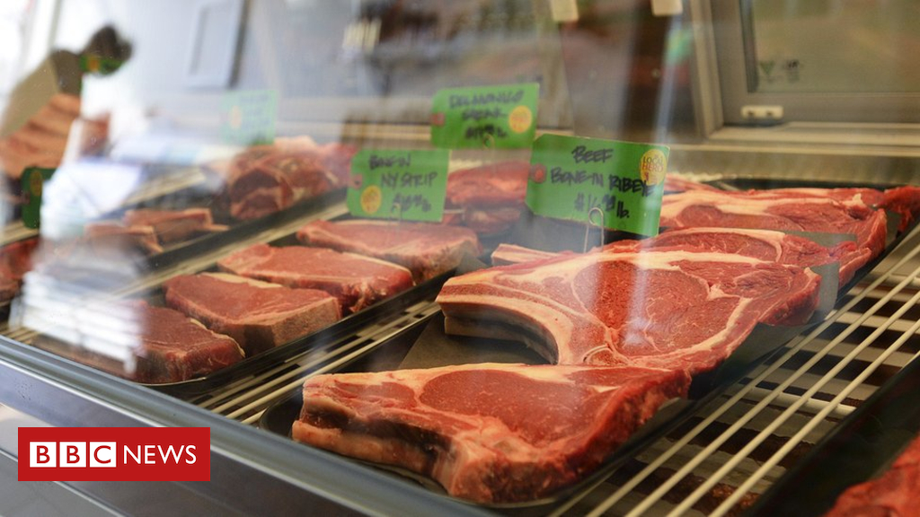 102224399 beef - China lifts ban on British beef exports