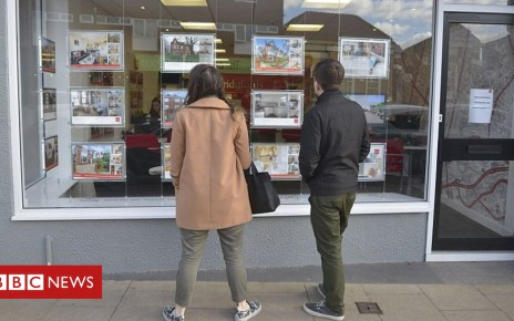 102293972 gettyimages 526092210 - A quarter of estate agents 'in financial distress'