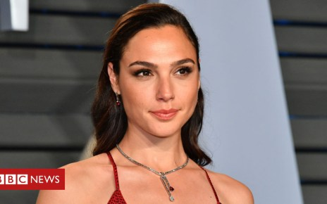 102441847 gadot1 getty - Gal Gadot visits hospital as Wonder Woman