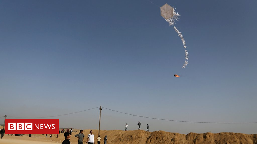 102464677 p06ddjbk - How kites and balloons became militant weapons