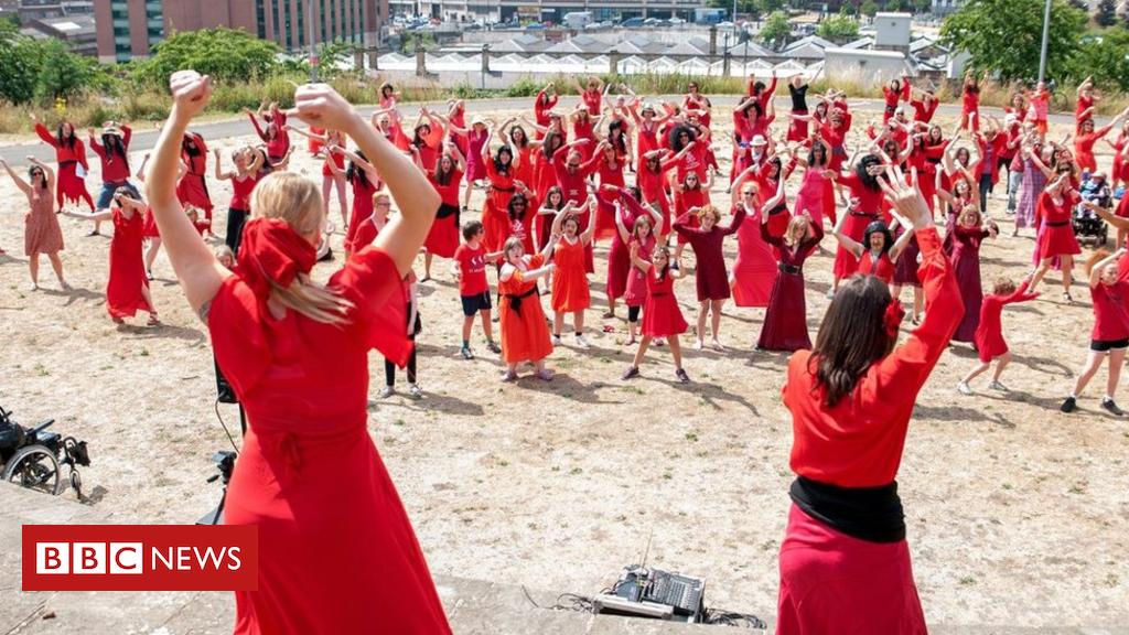 102535125 kateb2 - Kate Bush fans re-enact Wuthering Heights video
