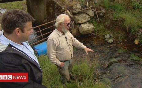 102569268 water1 - Water help for communities 'running dry' after heatwave