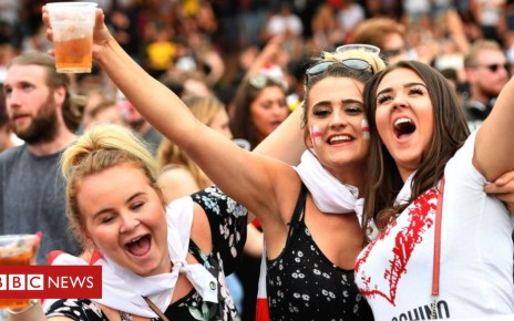 102606022 football2 - World Cup fails to lift retail sales
