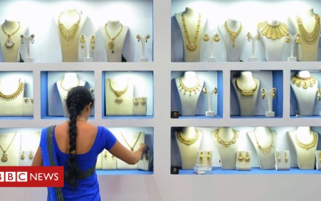 102621473 gettyimages 830034964 - How saleswomen in India finally won the 'right to sit'