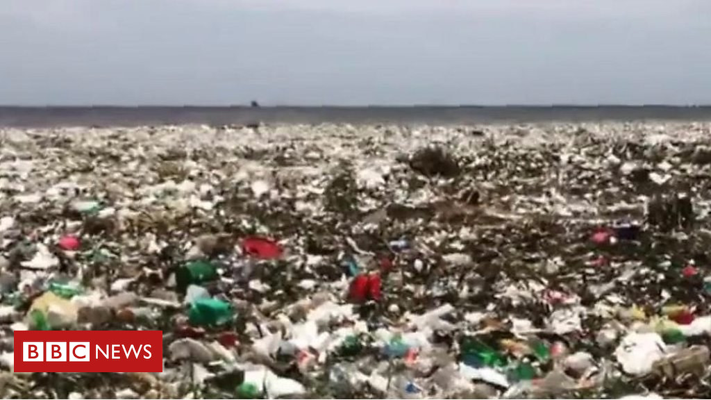 102639186 p06fdhw1 - Wave of plastic hits Dominican Republic