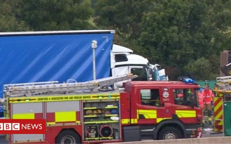 102763869 mediaitem102763868 - One dead as M5 in Worcestershire is shut by collision