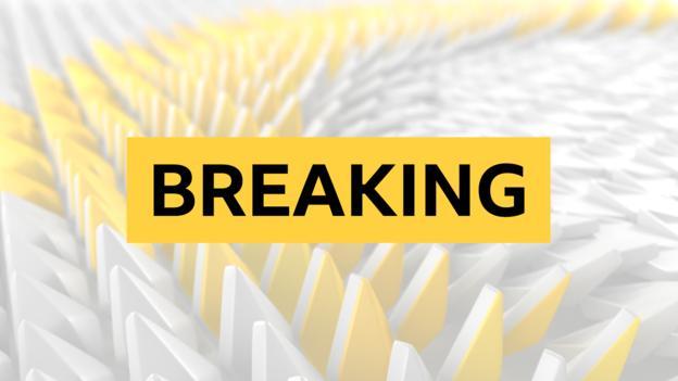 97584297 breaking news - Frost creates Cheltenham racing history