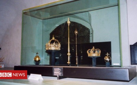 102780305 jew8wg - Swedish crown jewels: Speedboat thieves steal priceless treasures