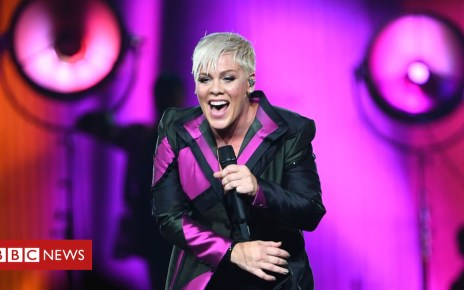 102828404 gettyimages 1000155502 - Justin Timberlake defends Pink over cancelled gig