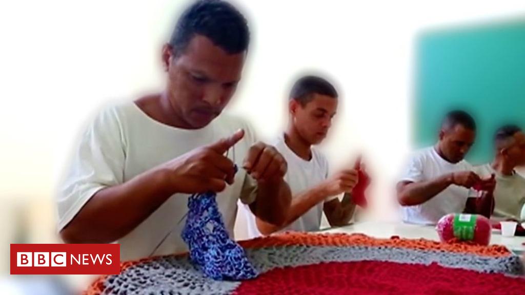102877267 p06gwxt1 - The Brazilian criminals learning crochet in prison