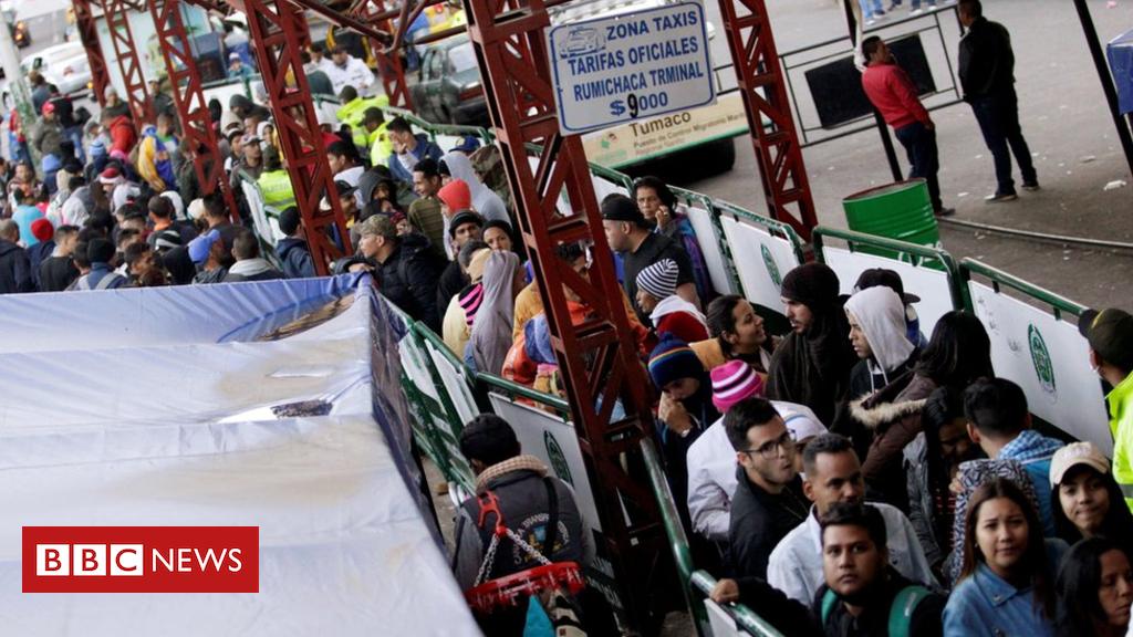 103074604 048714056 - Ecuador tightens entry rules for Venezuelan migrants