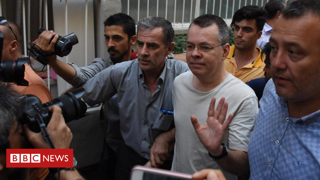 103074648 048579772 - US-Turkey row: Pastor a 'pawn in personal feud'