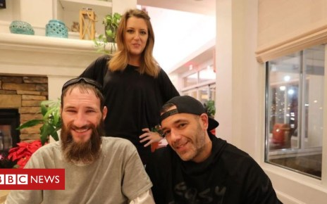 103218826 cad7pture - US homeless man sues couple over $400,000 fundraiser money