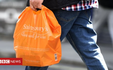 103226592 mediaitem103226591 - Plastic bags: Charge set to rise to 10p and be extended to all shops