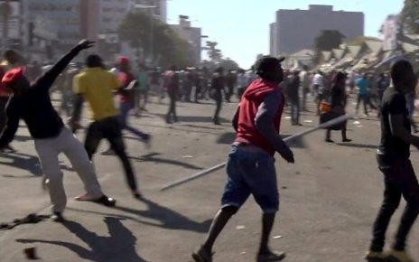 p06g9cnq - Zimbabwe army used 'unjustifiable' force in post-election clashes