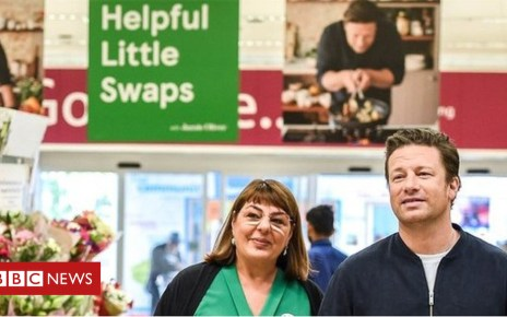 103362073 mediaitem103361308 - Jamie Oliver teams up with Tesco