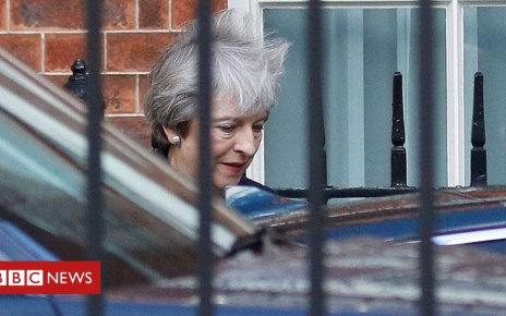 103553828 mediaitem103553827 - Brexit: May to chair cabinet amid pressure for Chequers re-think