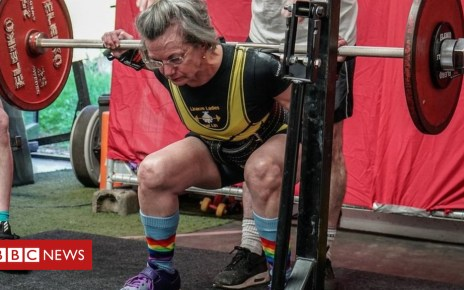 103587120 davemcwilliams squat 2018 3 - Oxford academic, 71, a champion powerlifter