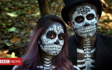 104013361 p06pr09d - Halloween Day of the Dead makeover on trend
