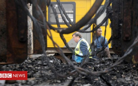 104047093 train1inl6361 - Why Cape Town's trains are on fire in South Africa