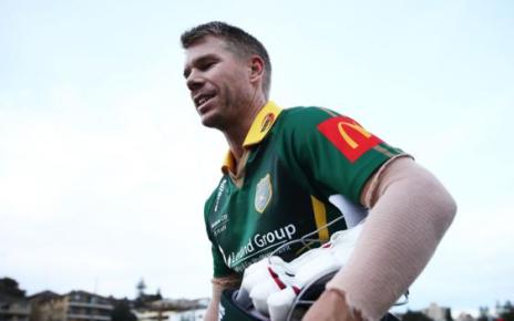 104054482 gettyimages 1037587768 - 'Sledged' Warner walks off pitch
