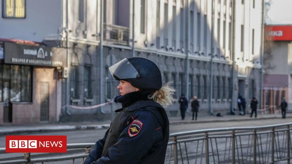 104110868 050306530 1 - Russia Arkhangelsk blast: Teenager dead at FSB security HQ