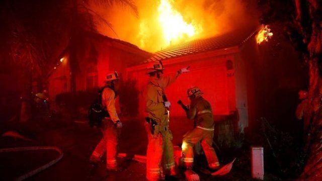 1541828389 777 California wildfires Malibu homes burn as death toll climbs to nine - California wildfires: Death toll rises to 25