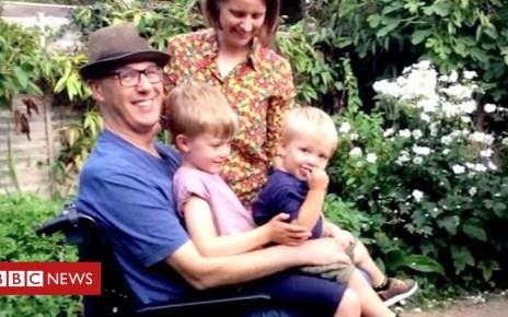 104191175 p06qxlvw - Motor neurone disease: Joe Hammond's birthday legacy for sons