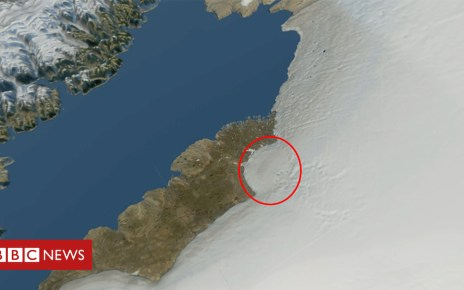 104277563 3e4c191a 122f 4443 adc4 c29fb156e692 - Greenland ice sheet hides huge 'impact crater'