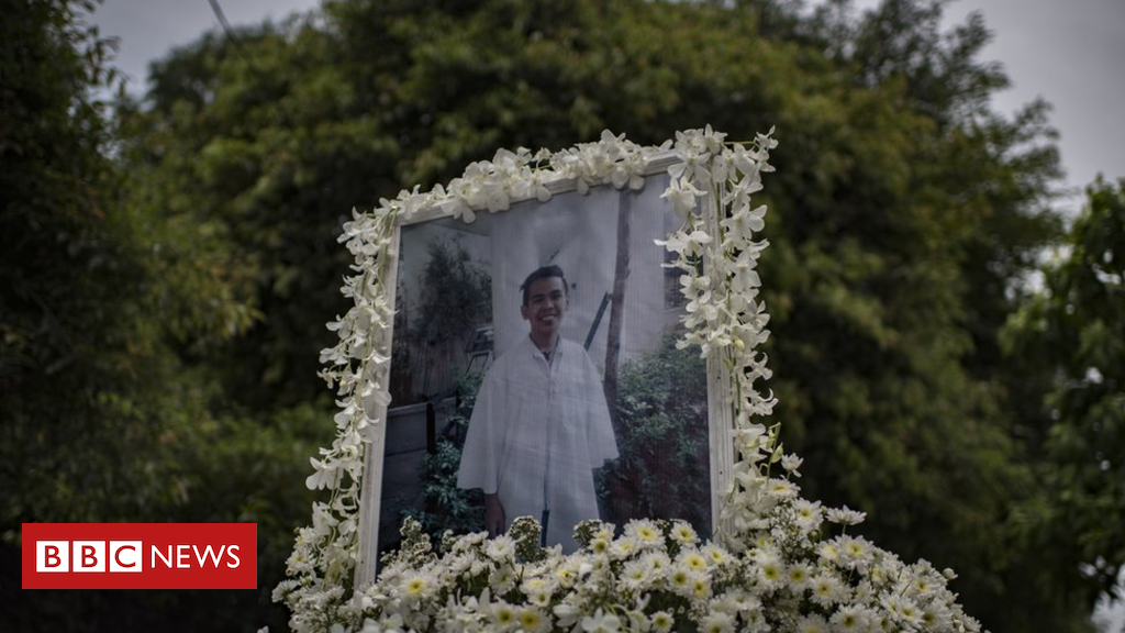 97543915 041264891 1 - Philippines drug war: Police found guilty of murdering Kian Delos Santos
