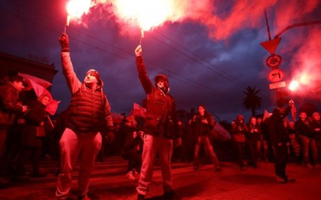 p05mtzkf - Polish independence day march by nationalists banned in Warsaw