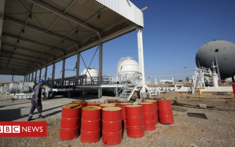 104695080 oil barrels - Oil prices rise on planned Opec cuts