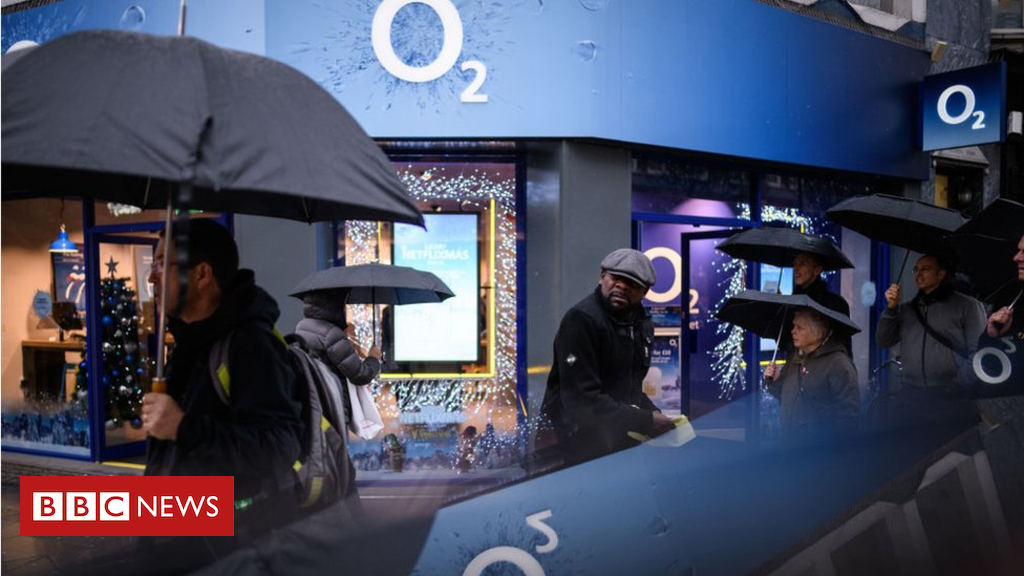 104706435 o2 - O2 'to seek millions' in damages over data outage